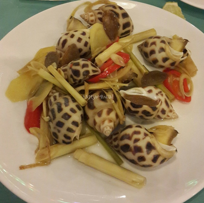 Areola Babylon steamed with ginger & lemongrass