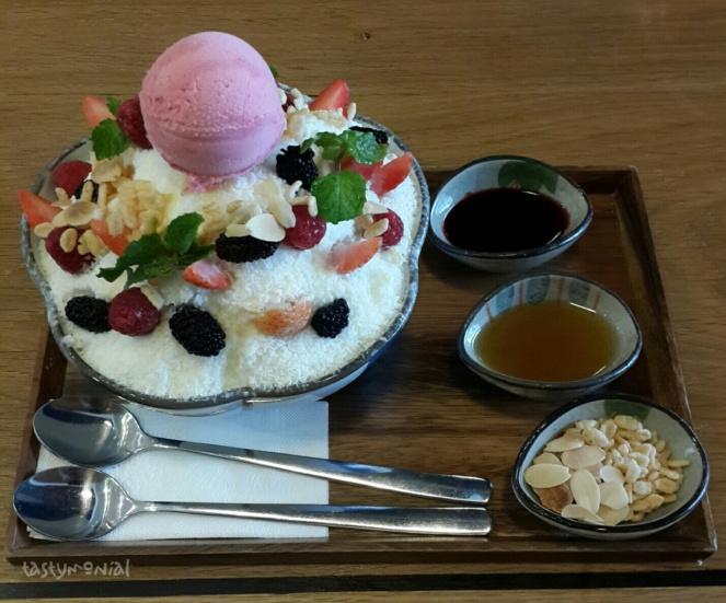 Berry Yogurt Snow