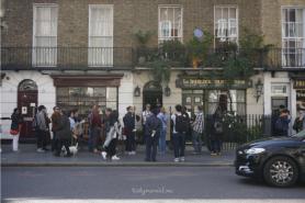 Queue at Sherlock Holmes Museum
