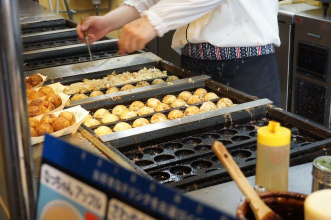 The making of Takoyaki