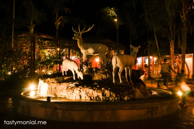 Beautiful sculptures at Night Safari Chiang Mai