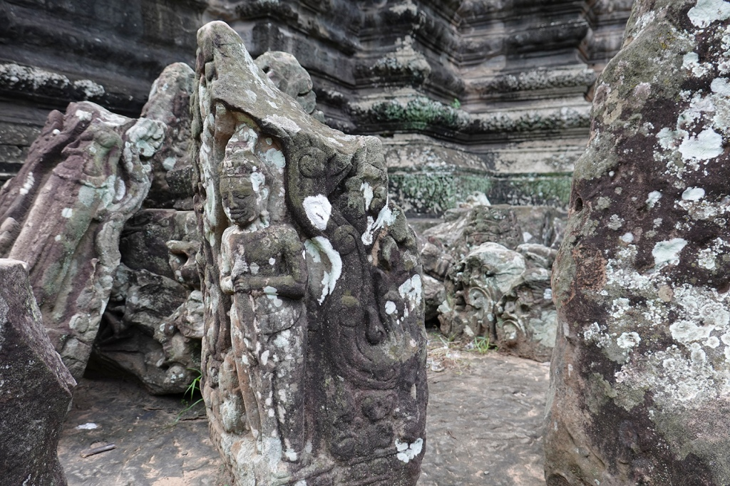 Sculptures in Angkor Wat