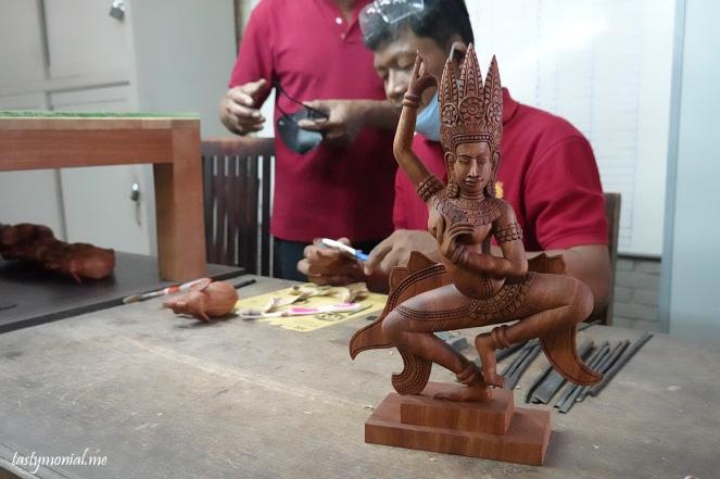 Wood Carving Artisan d'Angkor Siem Reap Cambodia