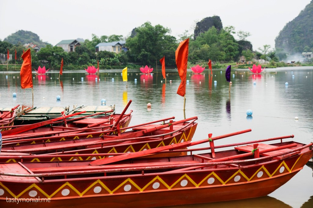 festival boat ninh binh old town